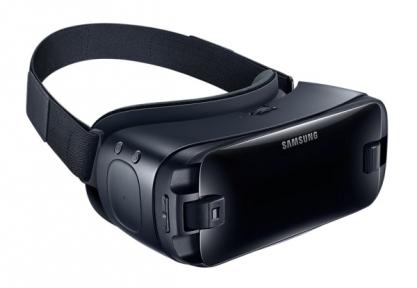 Очки виртуальной реальности Samsung Gear VR + Gamepad (SM-R324)